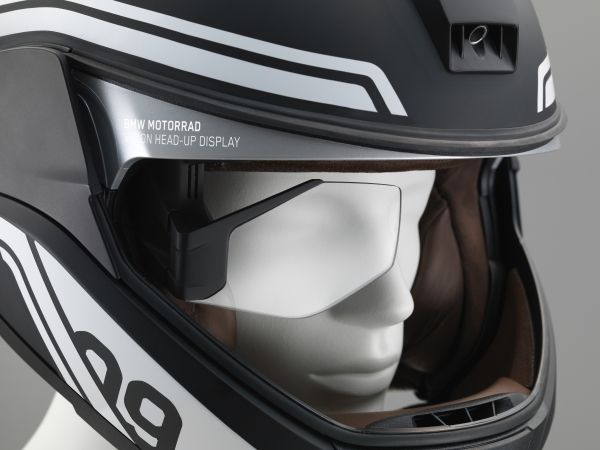 Helm mit Head-up Display
